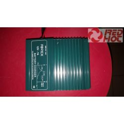 Akkumulátor töltő 12V 7A