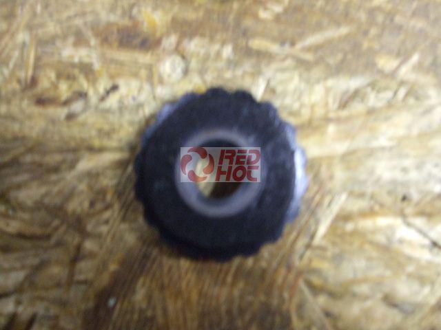Vezérműlánc láncvezető fogaskerék alsó C blokkhoz